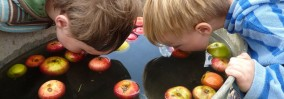 apple-bobbing-boys-1920x675