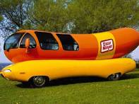 oscar-mayer-weinermobile-04
